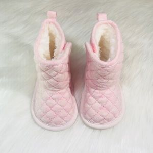 Baby Girl Pink Snow Boots!